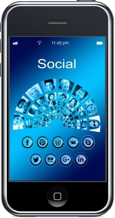 Društvene mreže - smartphone na kojem piše social i prikazani su ljudi i male ikone društvenih mreža